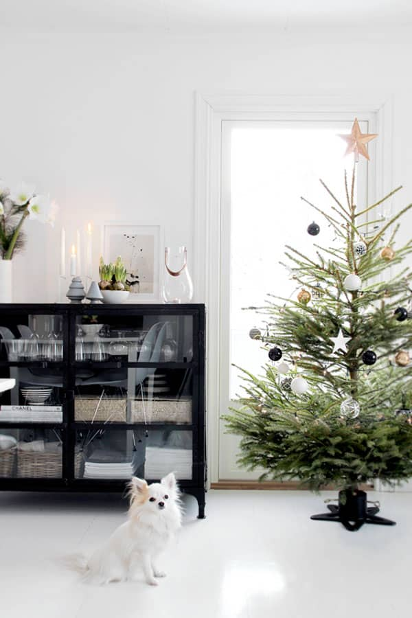 Scandinavian Christmas Decorating Ideas-42-1 Kindesign