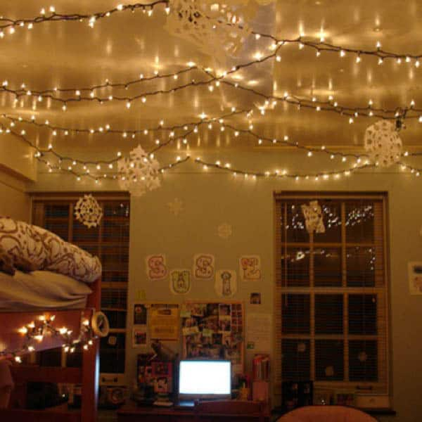 Christmas Lights in Bedroom-12-1 Kindesign