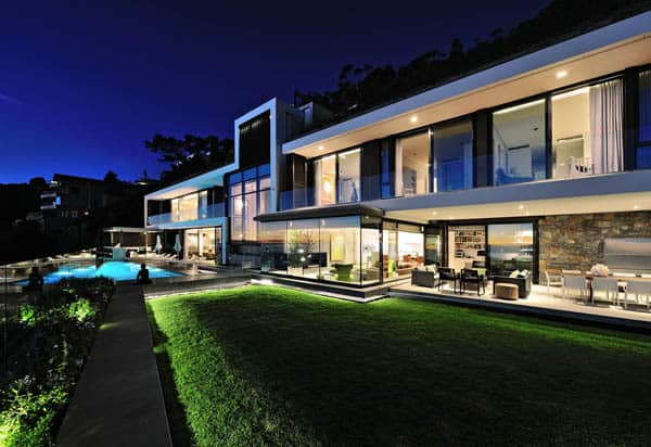 featured posts image for Impressive modern pad in Cape Town: Clifton House 2