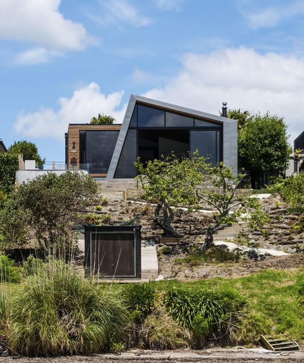 featured posts image for Modern waterfront home in Auckland: Winsomere Crescent