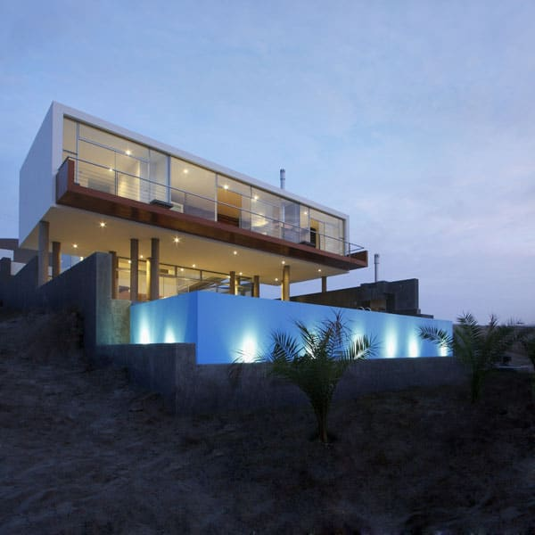 featured posts image for Beach home in Peru displays striking modern design: Casa Q