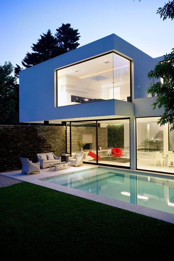Casa Carrara-Andres Remy Arquitectos-02-1 Kindesign
