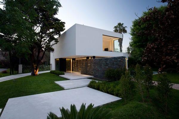 Casa Carrara-Andres Remy Arquitectos-03-1 Kindesign