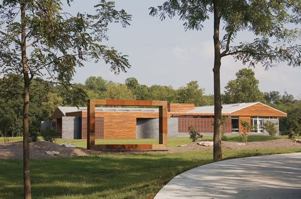 featured posts image for Modern courtyard residence in Missouri: The Curved House