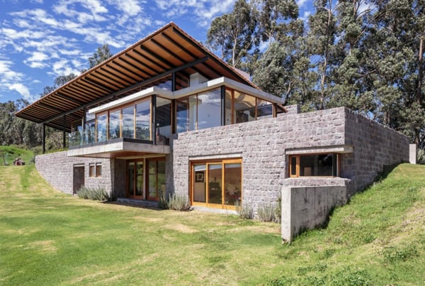 featured posts image for Glass and stone modern residence with views of the Ecuadorian highlands