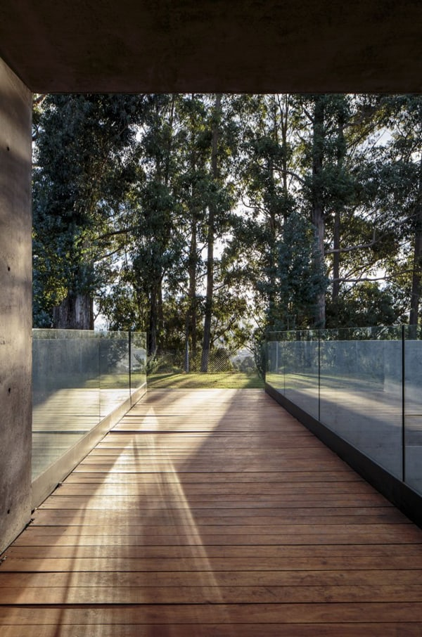 Los Chillos House-Diez Muller Arquitectos-06-1 Kindesign