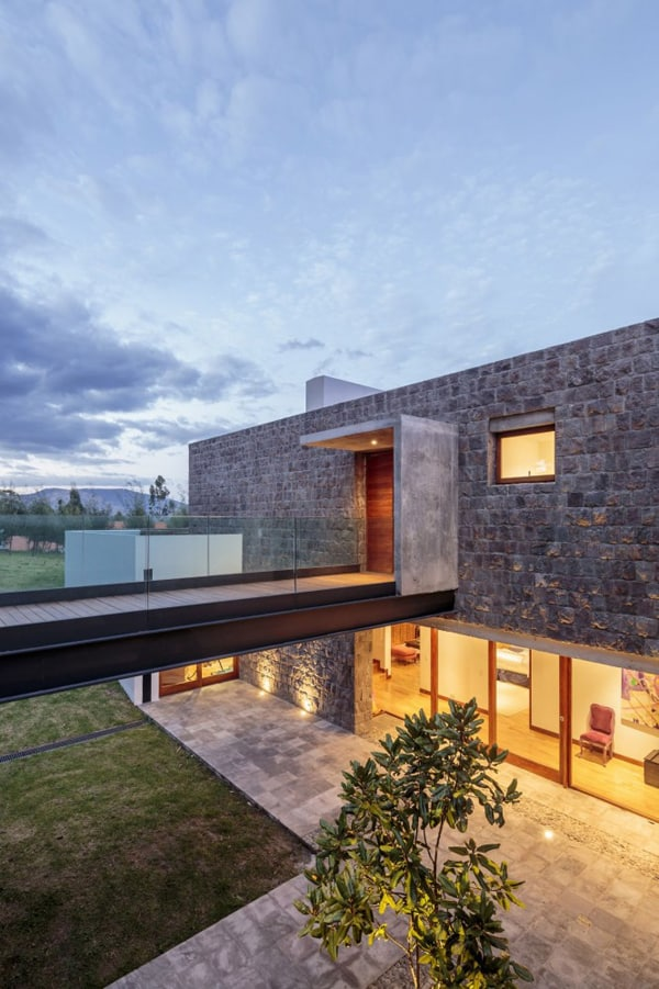 Los Chillos House-Diez Muller Arquitectos-10-1 Kindesign