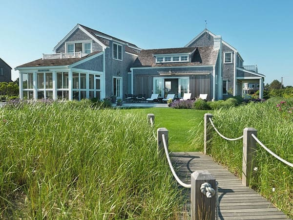 featured posts image for Surfside Chic Nantucket beach house retreat