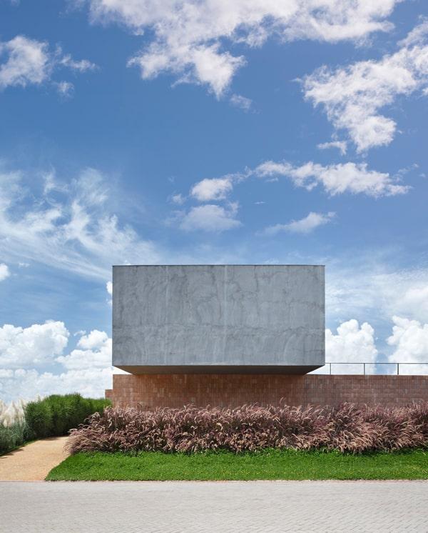 BT House-Studio Guilherme Torres-004-1 Kindesign