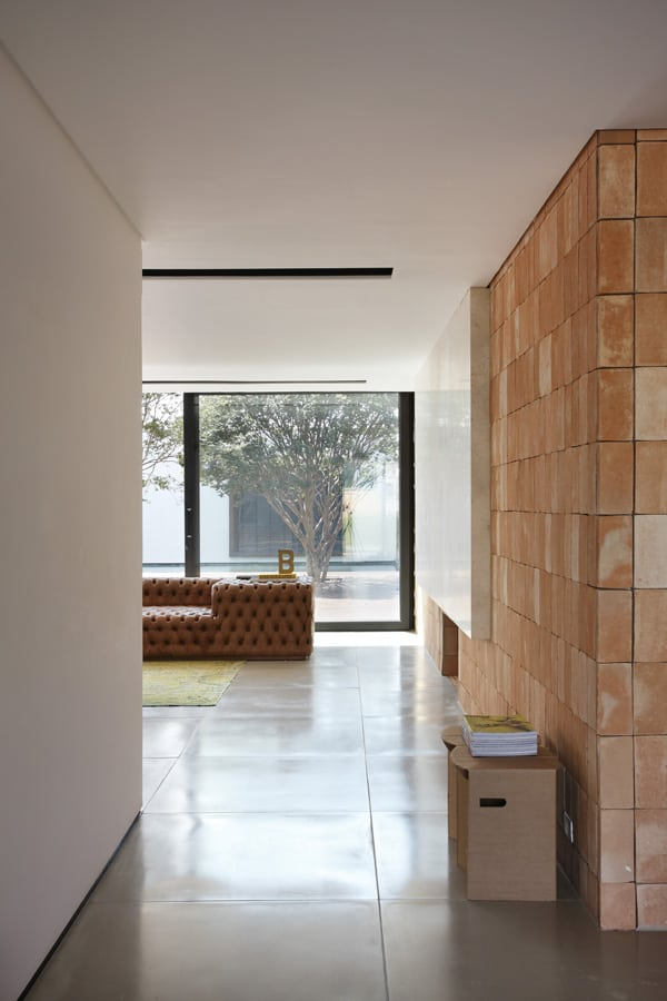 BT House-Studio Guilherme Torres-007-1 Kindesign