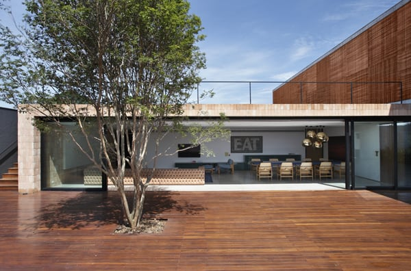 BT House-Studio Guilherme Torres-21-1 Kindesign