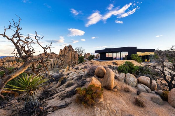 Black Desert House-Oller & Pejic Architecture-01-1 Kindesign