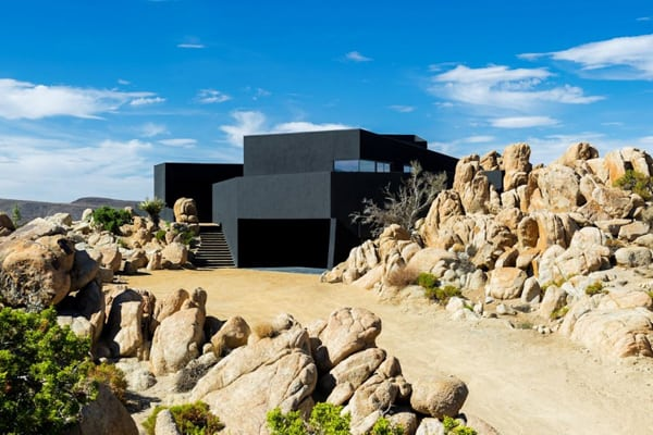 Black Desert House-Oller & Pejic Architecture-02-1 Kindesign