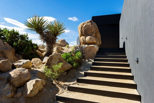 Black Desert House-Oller & Pejic Architecture-04-1 Kindesign