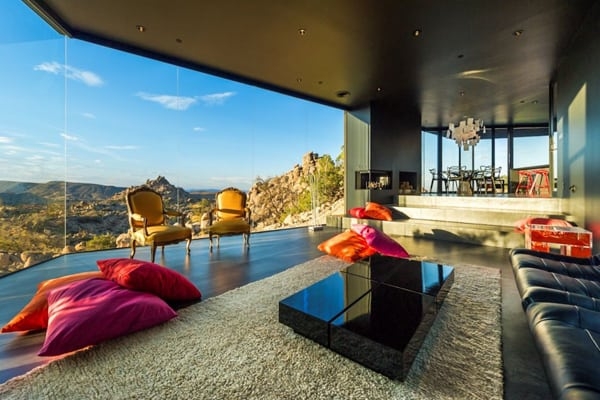featured posts image for Striking Black Desert House in Yucca Valley