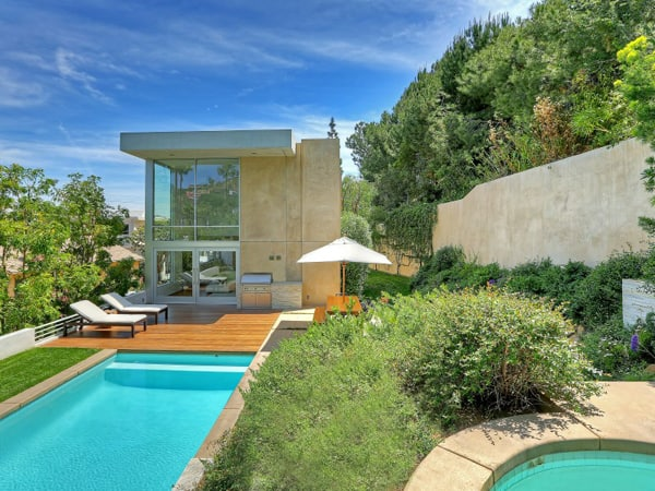 featured posts image for Contemporary light-filled Hollywood Hills residence
