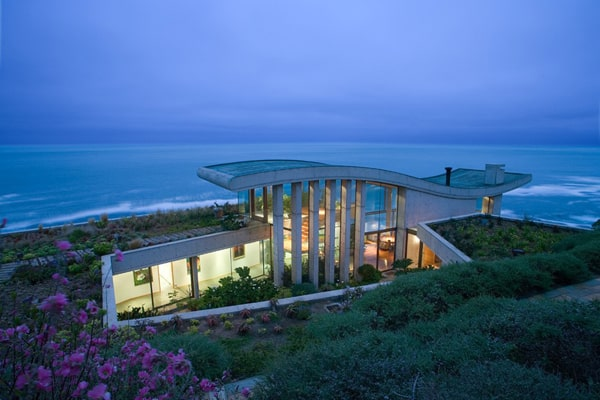 featured posts image for Amazing beachfront property in Chile by Raimundo Anguita