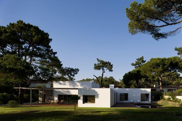 Casa no Banzao ll-Frederico Valsassina Arquitectos-02-1 Kindesign