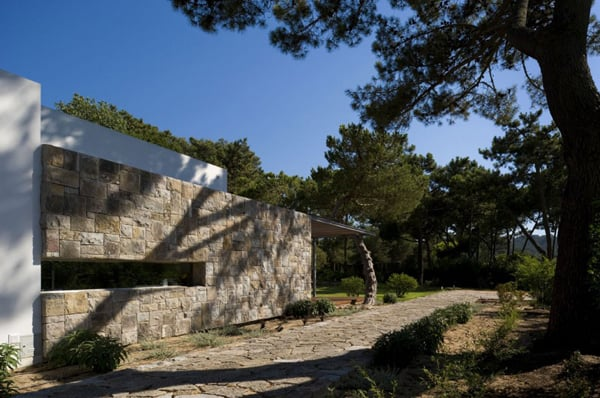 Casa no Banzao ll-Frederico Valsassina Arquitectos-03-1 Kindesign