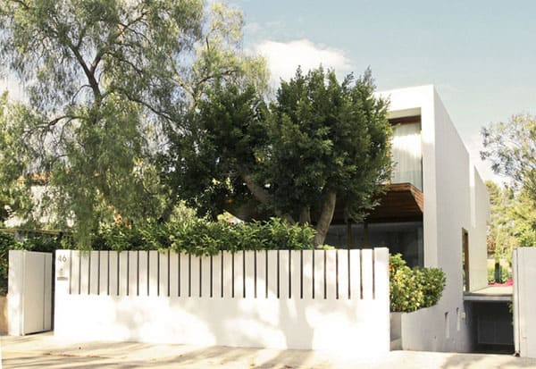 House in Rocafort-Ramon Esteve Studio-04-1 Kindesign