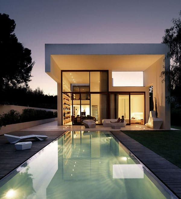 House in Rocafort-Ramon Esteve Studio-10-01 Kindesign