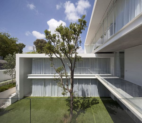 Ramat Hasharon House 13-Pitsou Kedem Architects-07-1 Kindesign