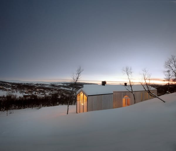 Split View Mountain Lodge-Reiulf Ramstad Arkitekter-05-1 Kindesign