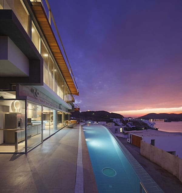 Veronica Beach House-Longhi Architects-03-1 Kindesign