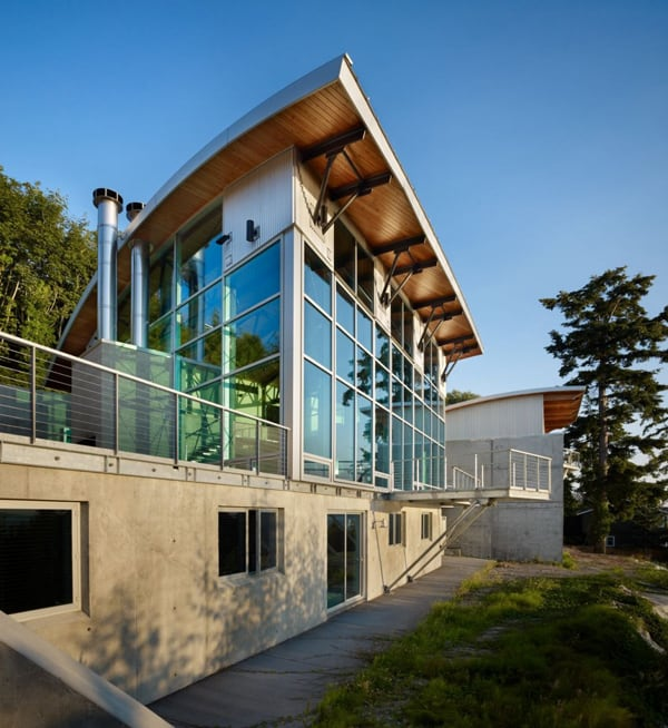 featured posts image for Imposing design in concrete and glass: West Seattle Residence