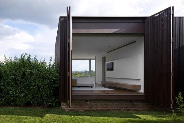 Casa HS na Quinta da Baroneza-Studio Arthur Casas-05-1 Kindesign