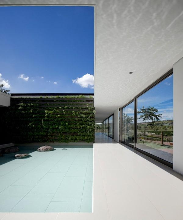 Casa HS na Quinta da Baroneza-Studio Arthur Casas-09-1 Kindesign