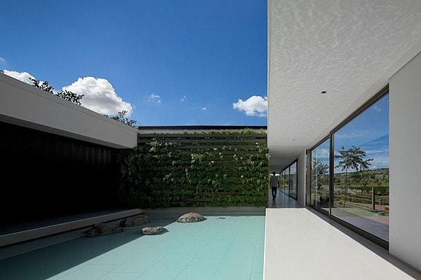 Casa HS na Quinta da Baroneza-Studio Arthur Casas-11-1 Kindesign