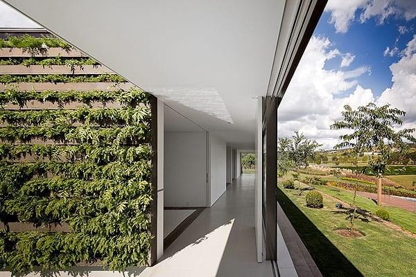 Casa HS na Quinta da Baroneza-Studio Arthur Casas-13-1 Kindesign
