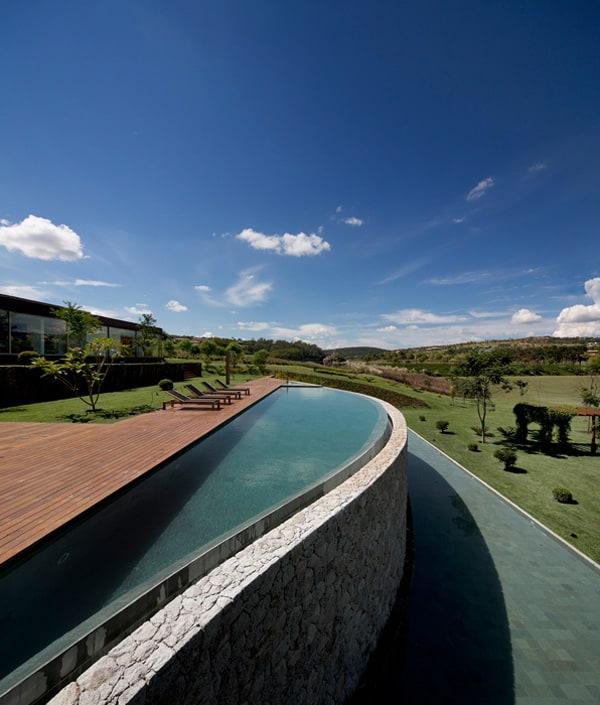 Casa HS na Quinta da Baroneza-Studio Arthur Casas-17-1 Kindesign