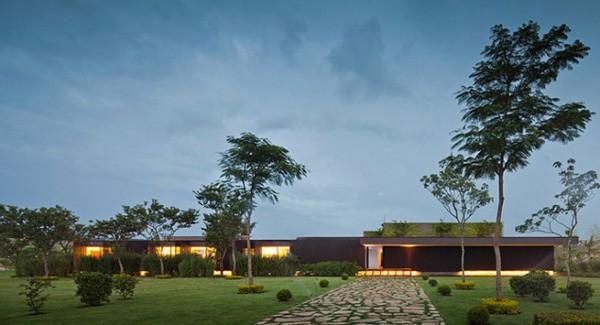 Casa HS na Quinta da Baroneza-Studio Arthur Casas-43-1 Kindesign