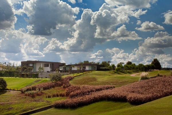 Casa HS na Quinta da Baroneza-Studio Arthur Casas-45-1 Kindesign