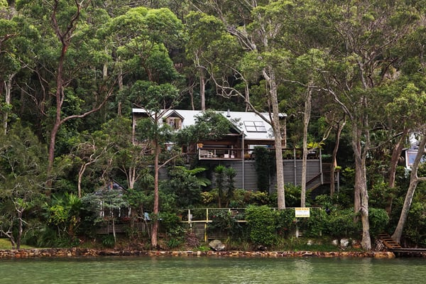 featured posts image for Cedar and glass house on Little Lovett Bay, Australia