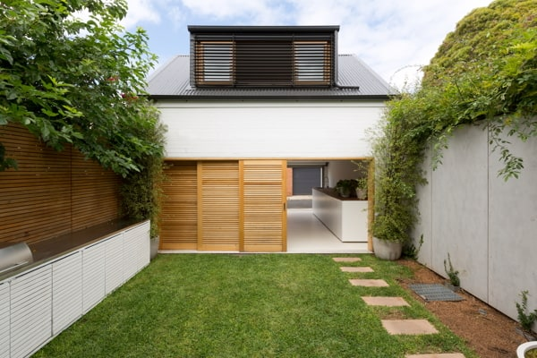 featured posts image for Sydney terrace house opens to nature: Bondi House