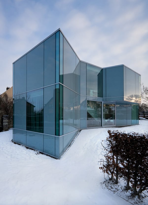 featured posts image for Glass wrapped home in The Netherlands: H House
