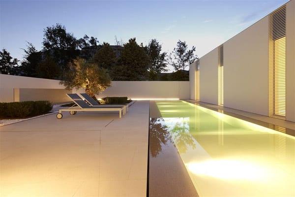 Jesolo Lido Pool Villa-JM Architecture-10-1 Kindesign