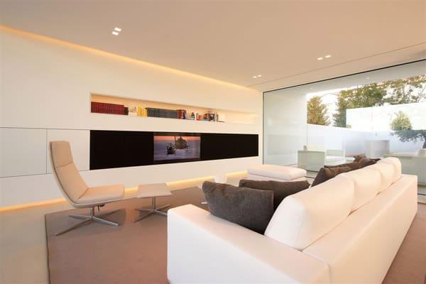 Jesolo Lido Pool Villa-JM Architecture-11-1 Kindesign