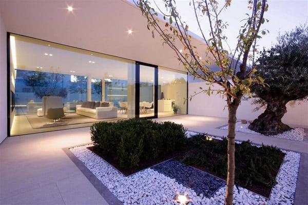 Jesolo Lido Pool Villa-JM Architecture-15-1 Kindesign