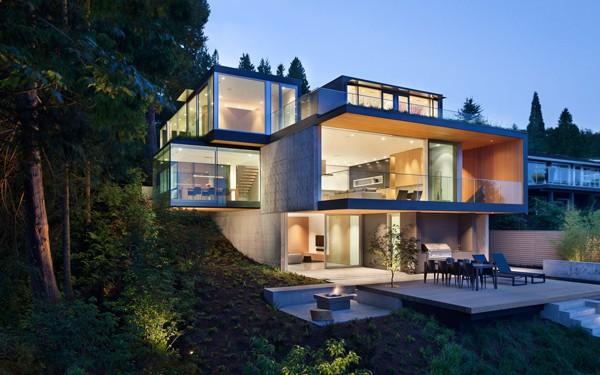 featured posts image for Modern pad in West Vancouver with dramatic cantilevers