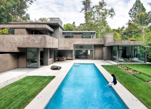 featured posts image for Rustic canyon house centered on dual courtyard in Santa Monica