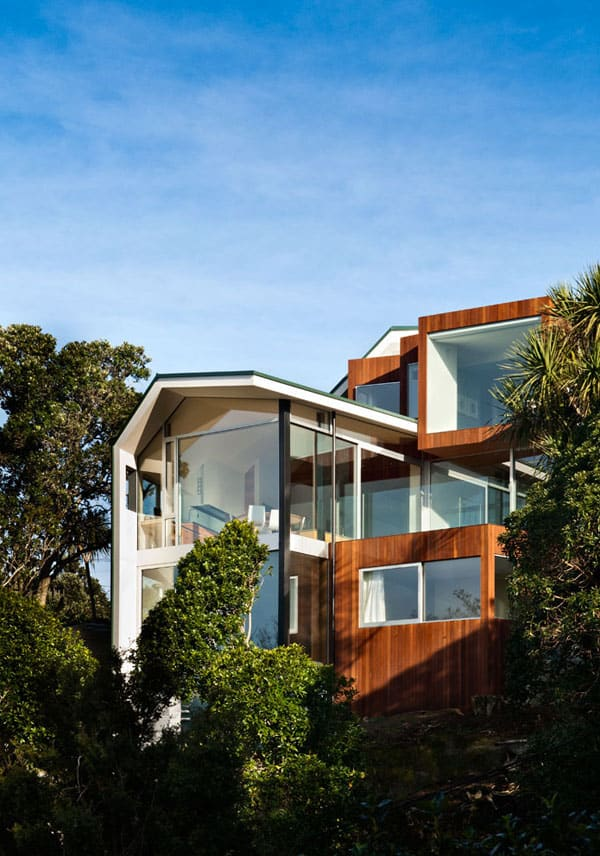 featured posts image for Contemporary Seaview House overlooking Wellington Harbour