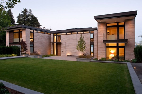 featured posts image for Hilltop residence on a bluff overlooking Lake Washington