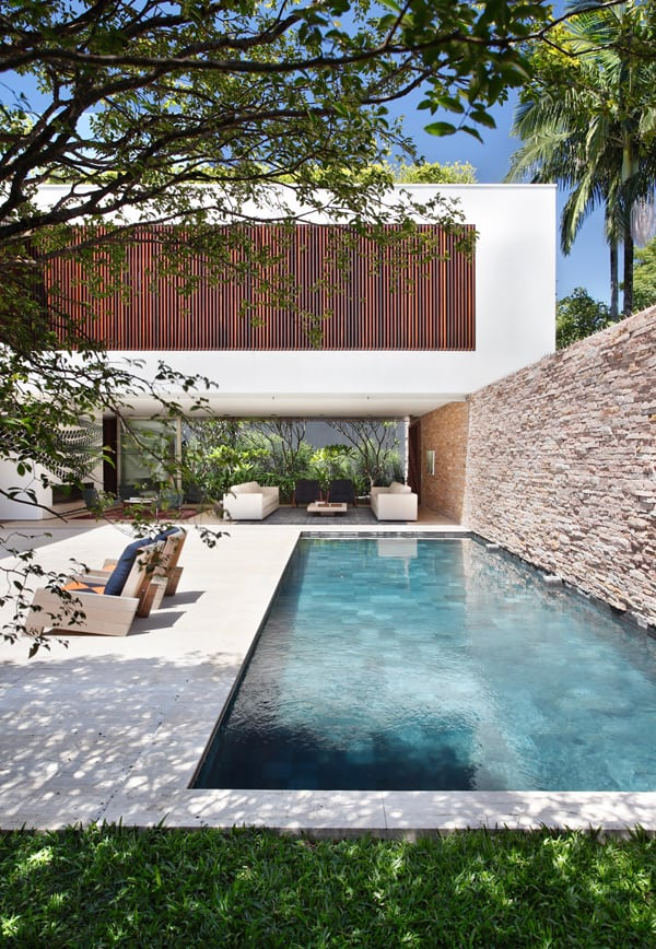 featured posts image for Contemporary home in Brazil by Studio Guilherme Torres