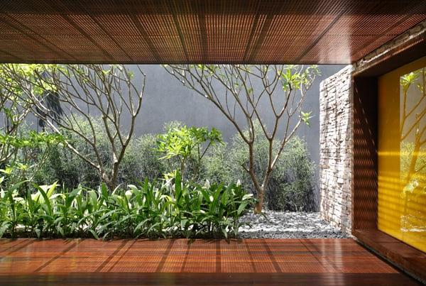 AH House-Studio Guilherme Torres-07-1 Kindesign