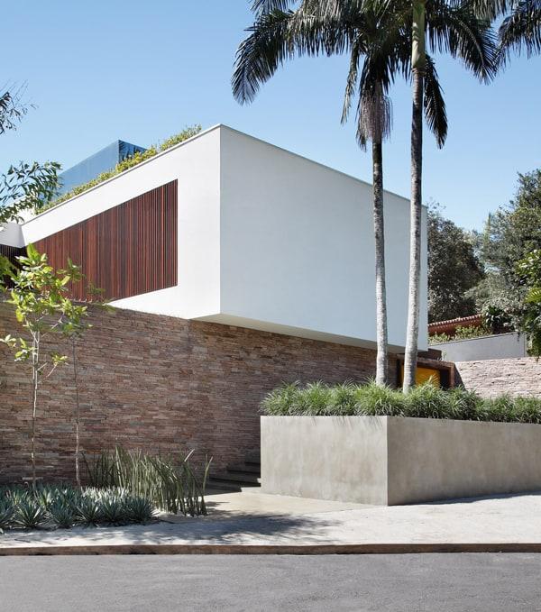 AH House-Studio Guilherme Torres-10-1 Kindesign