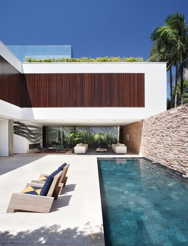 AH House-Studio Guilherme Torres-17-1 Kindesign